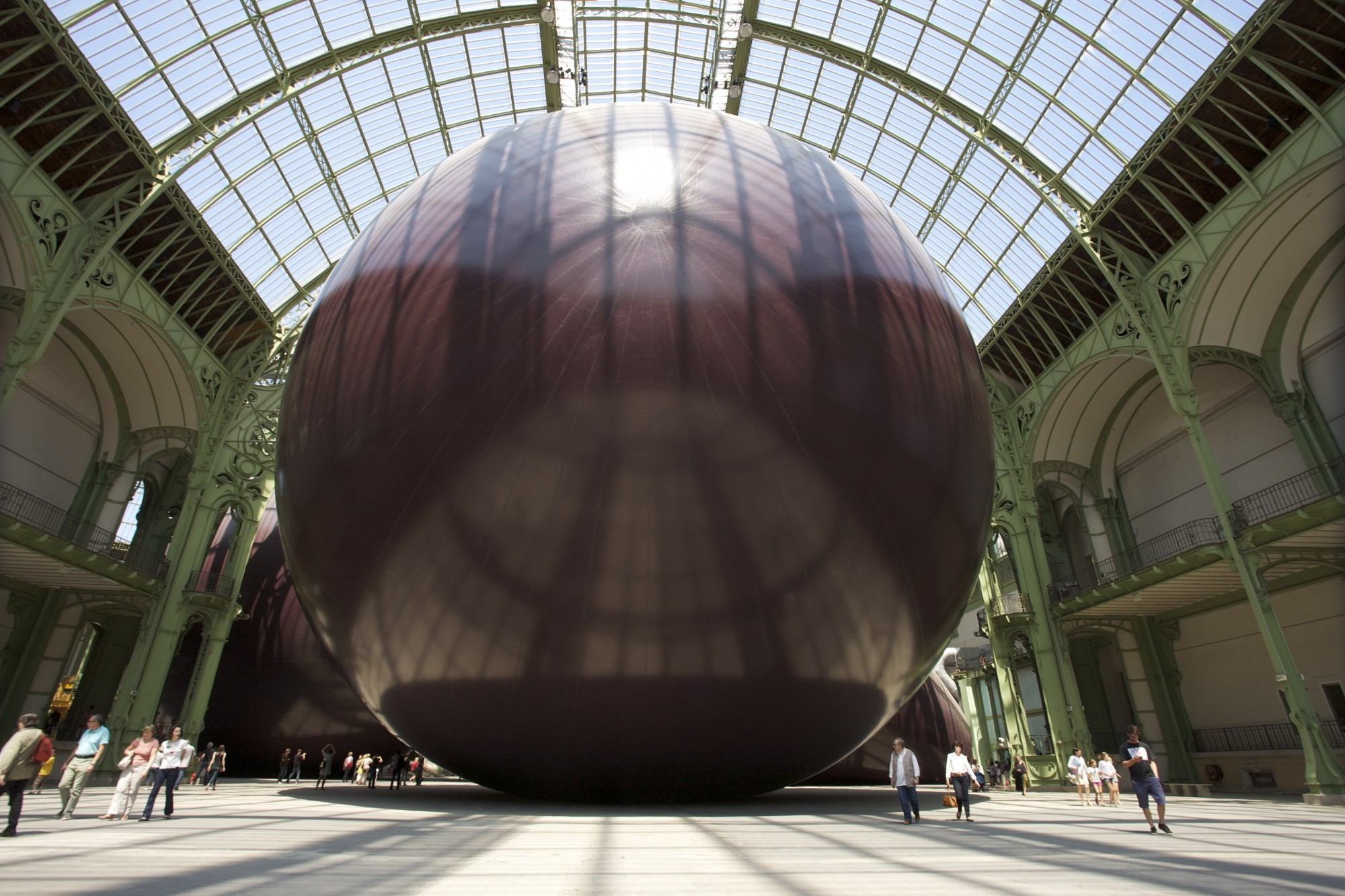Paris,,France,,June,3:,Panorama,Of,Anish,Kapoor,Art,Installation: